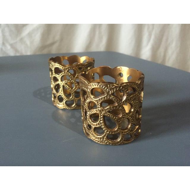 Oscar De La Renta Brass Gardenia Napkin Ring- A Pair - Image 4 of 8