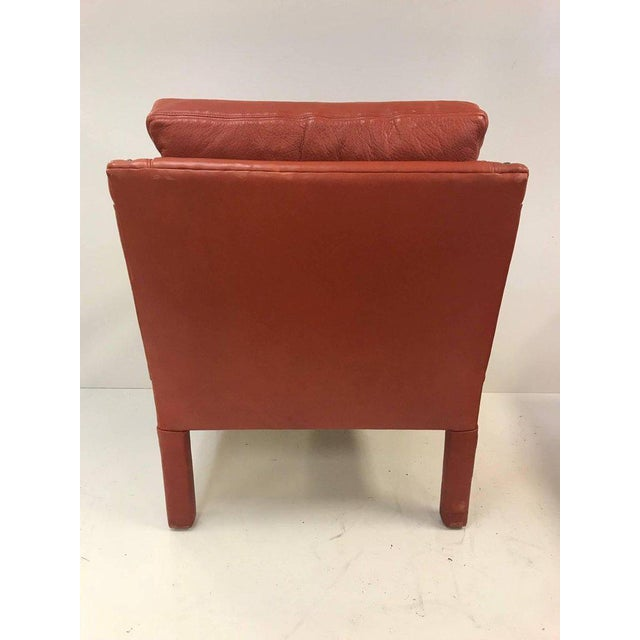 Mid-Century Modern Leather Lounge Chair and Ottoman Style of Gilbert Rohde For Sale - Image 3 of 8