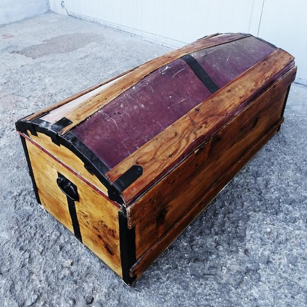 Solid French Storage Trunk With Leather Inserts For Sale - Image 4 of 9