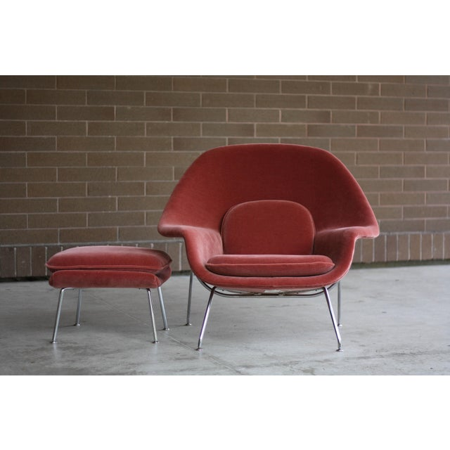 Mohair 1990s Vintage Eero Saarinen for Knoll Mohair Womb Chair and Ottoman For Sale - Image 7 of 8