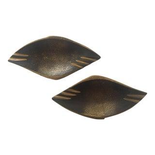 Vintage Mid Century Modern Dayagi Israel Cast Solid Brass Sculptural Teardrop Trays - a Pair For Sale