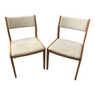 Vintage Mid-Century Modern Oak Chairs- A Pair For Sale