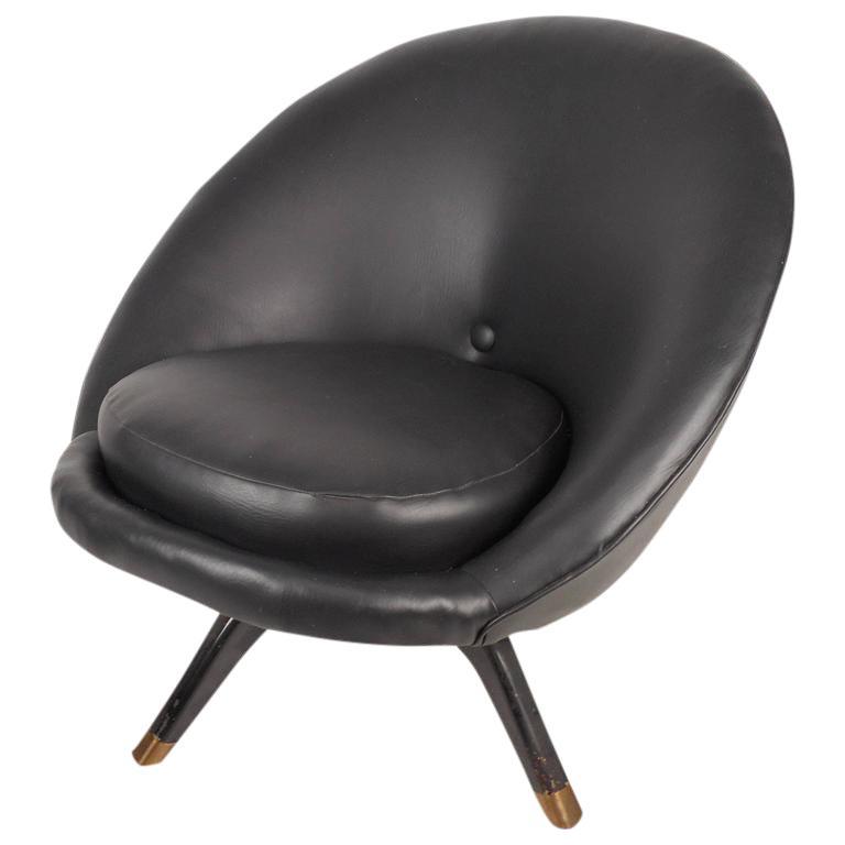 Mid Century Modern Overman Style Swivel Pod Chair