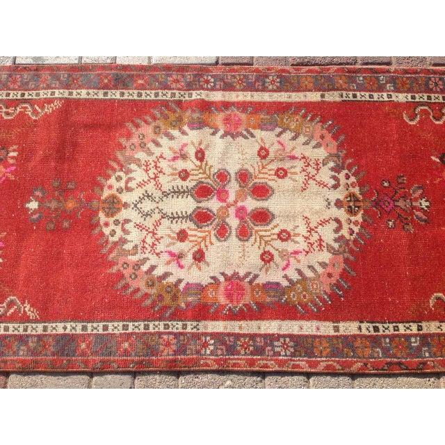 "Vintage Anatolian Rug - 2'7"" x 6'1"" - Image 4 of 6"
