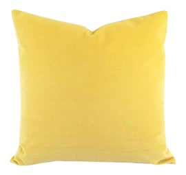 Image of Light Yellow Bed and Bath