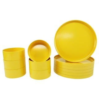 Yellow Massimo Vignelli for Heller Dinnerware - Set of Six Plates + Six Bowls For Sale