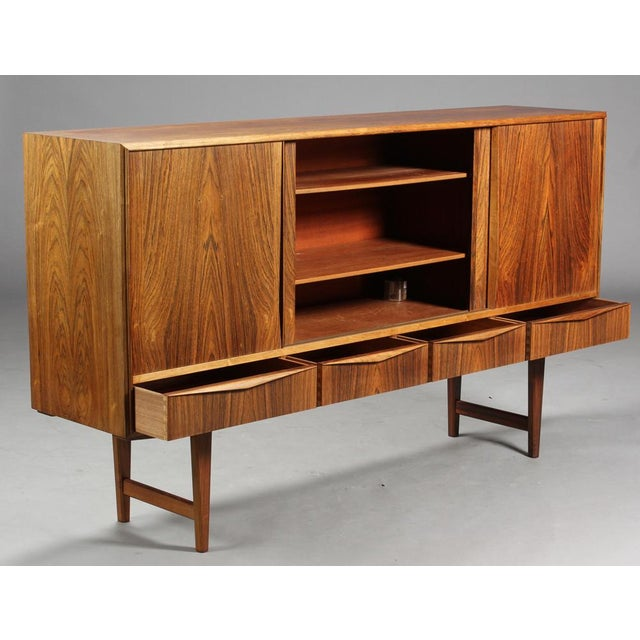 E. W. Bach 1950s Danish Modern Ew Bach for Sejling Skabe Rosewood Sideboard For Sale - Image 4 of 11