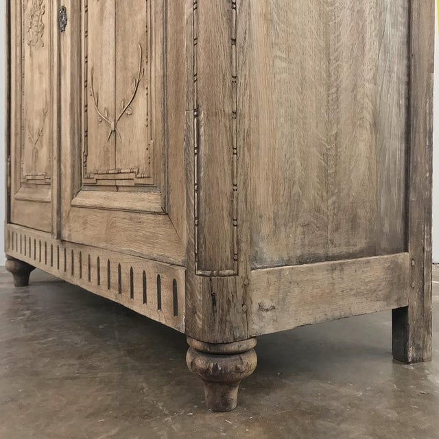 19th Century Country French Stripped Louis XVI Vitrine - Cabinet For Sale - Image 9 of 13