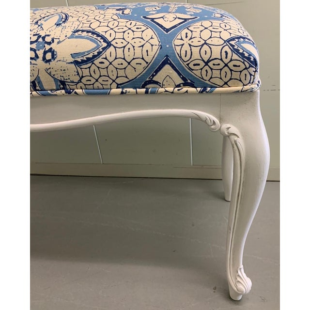 French White French Bench Newly Upholstered in Quadrille Fabric For Sale - Image 3 of 7