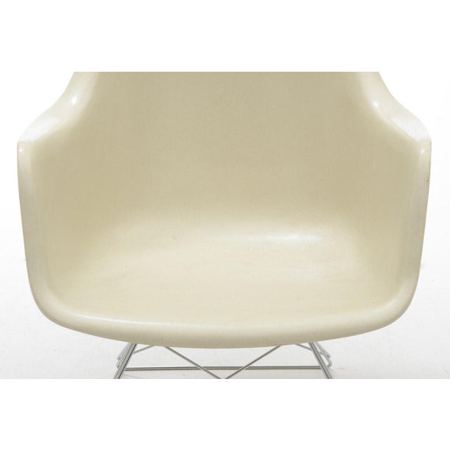 Charles Eames Eames for Herman Miller White Molded Fiberglass Chair For Sale - Image 4 of 10
