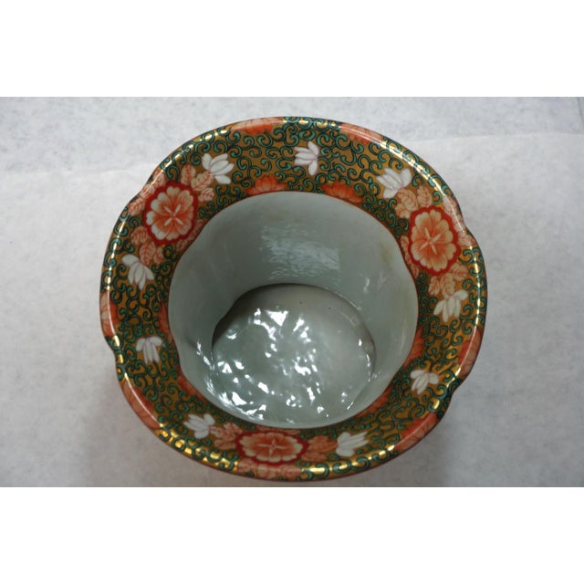 Asian Vintage Chinese Rose Medallion Vase With Gold Handles For Sale - Image 3 of 9