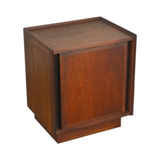 Milo Baughman for Dillingham Mid Century Modern Walnut Nightstand For Sale