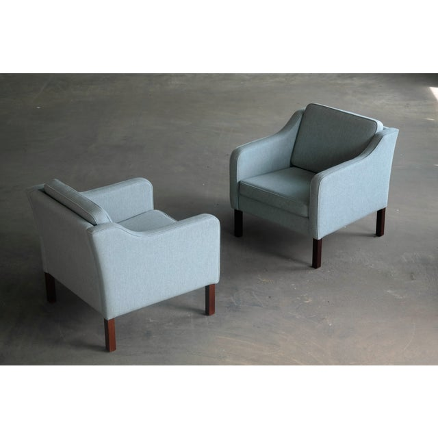 Børge Mogensen Model 2421 Style Danish Lounge Chairs in Cornflower Blue Wool For Sale - Image 11 of 13