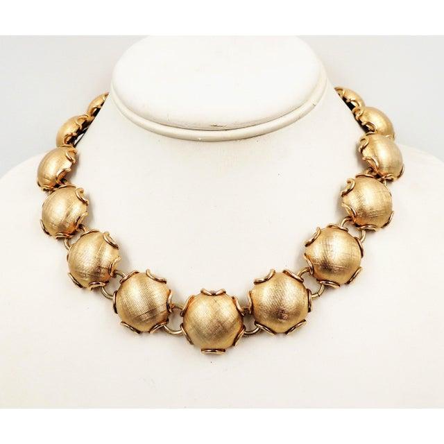 1950s 1950s Napier Goldtone Florentine Finish Necklace For Sale - Image 5 of 8