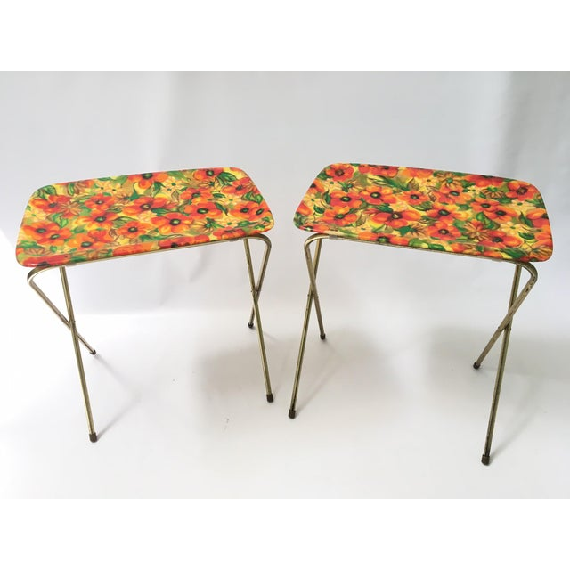 Flowers in vibrant colors make these vintage fiberglass TV trays the perfect addition to your decor. Trays are in near...