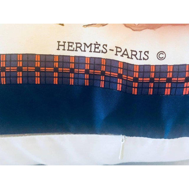 Silk Hollywood Regency Style Hermes 'The Bull and Mouth Regents Circus' Silk Pillow For Sale - Image 7 of 11