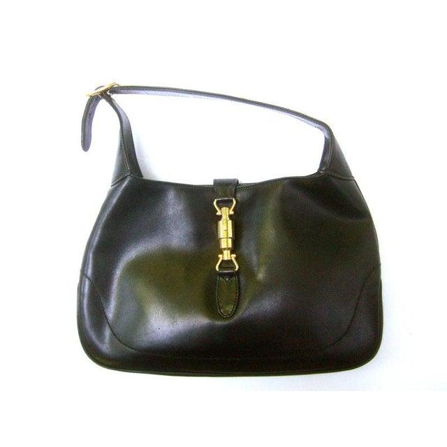"Metal Gucci Iconic Ebony Leather Jackie ""O"" Versatile Handbag / Shoulder Bag C 1970s For Sale - Image 7 of 11"
