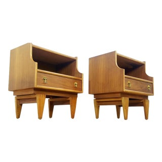 Stanley 1960s Mid-Century Modern Brass Pull Nightstand / End Tables - a Pair For Sale