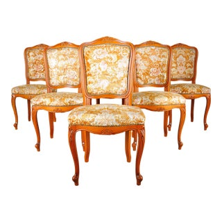 1960s Set of 6 Vintage French Louis XV Maple Dining Chairs With Floral Upholstery For Sale