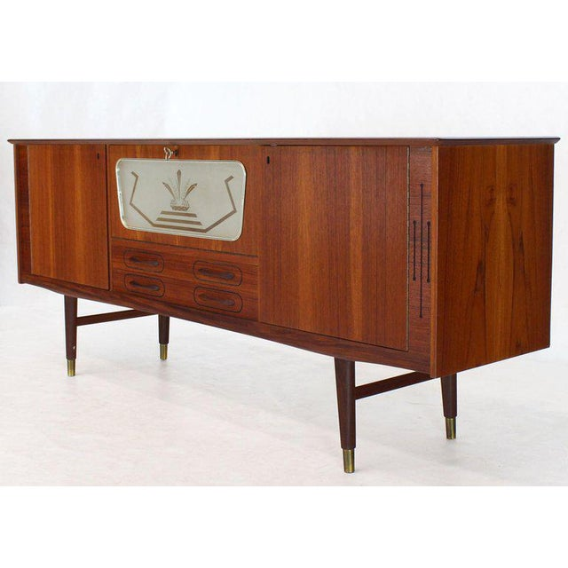 Arne Vodder Danish Teak Long Sideboard Credenza With Art Deco Style Etched Glass Insert For Sale - Image 4 of 11