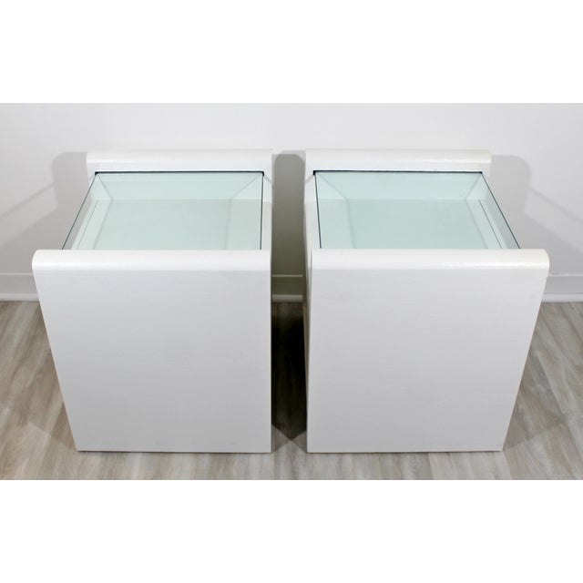 1980s Contemporary Modern White Lacquer & Glass Nightstands End Tables - a Pair For Sale In Detroit - Image 6 of 9
