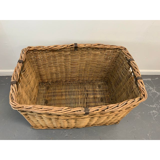 Rustic European Vintage Mid Century Basket For Sale - Image 3 of 6