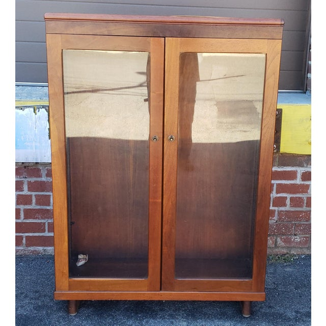 Very Nice 1930s Walnut Double Glass Door Hallway Bookcase Cabinet For Sale - Image 9 of 9
