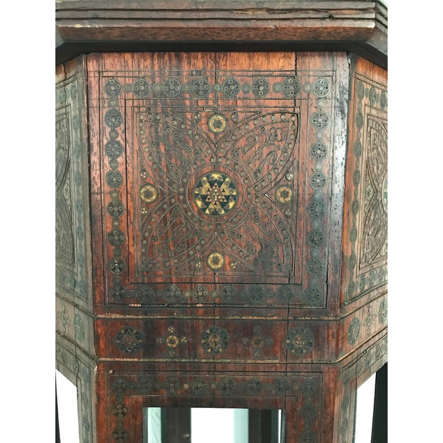 Brown Old Morrocan Inlaid Mother of Pearl, Bone & Multi Wood Octagonal Occasional Side Table For Sale - Image 8 of 13