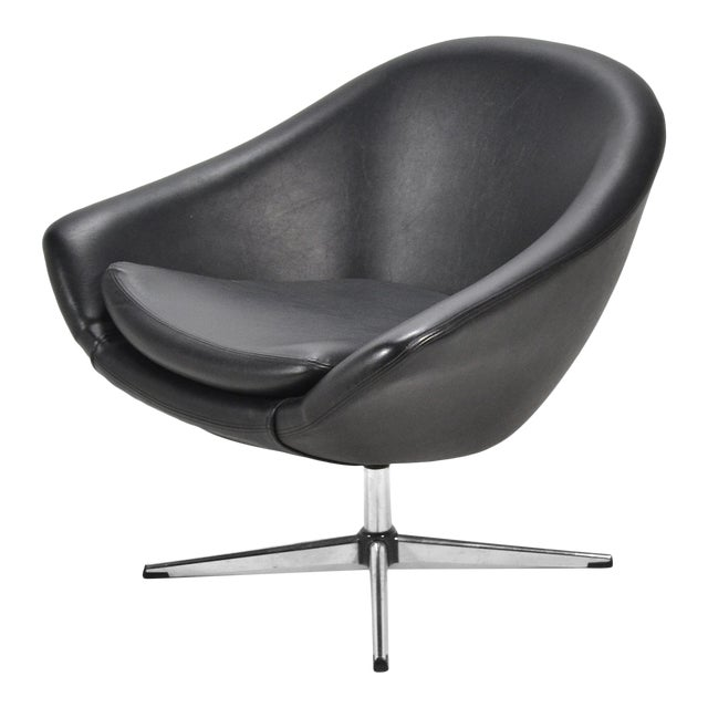 Overman Black Swivel Lounge Chair For Sale
