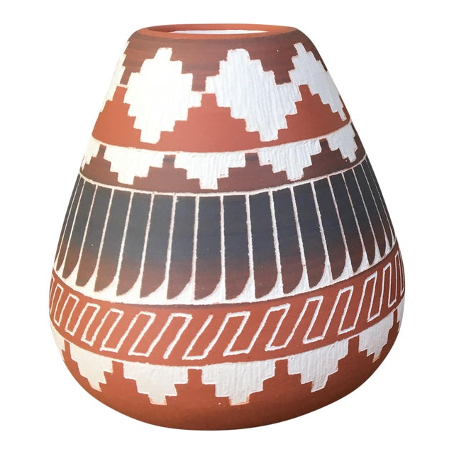 Navajo Indian Pottery Vase - Image 1 of 6