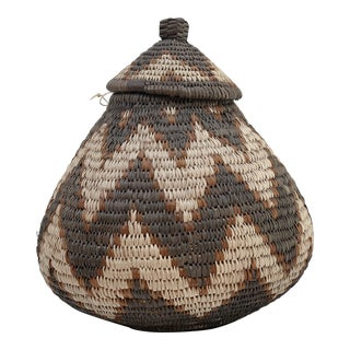 Traditional Zulu Hand-Woven Ukhamba Basket With Lid African For Sale