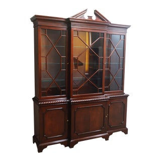 Baker Historic Charleston Mahogany 2 Pc Breakfront China Cabinet For Sale