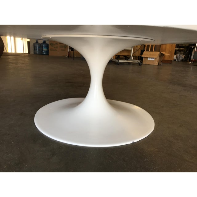 """Heavy Top 36"""" Inch Tulip Coffee Table in the Saarinen/Knoll Style For Sale In Los Angeles - Image 6 of 10"""