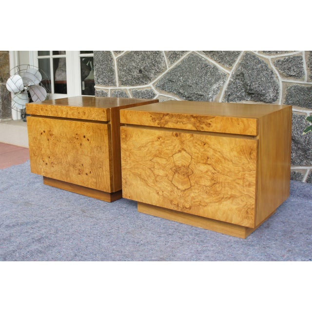 1970s Mid-Century Modern Milo Baughman for Lane Altavista Bookmatched Burl Olivewood Nightstands - a Pair For Sale - Image 13 of 13