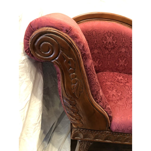 Art Deco 1940s Antique Raspberry Chaise For Sale - Image 3 of 13