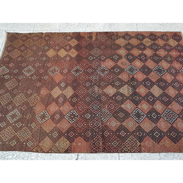 "Mid-Century Modern Distressed Vintage Turkish Soumac Rug 4'2"" X 6'3"" For Sale - Image 3 of 8"