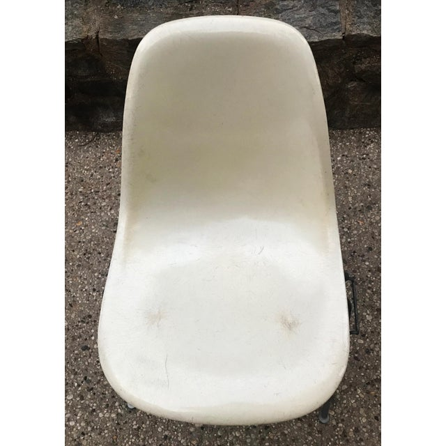 White Pair of Early 1957 Dated Eames Parchment Side Fiberglass Shell Chairs Stacking Base Original MCM For Sale - Image 8 of 11