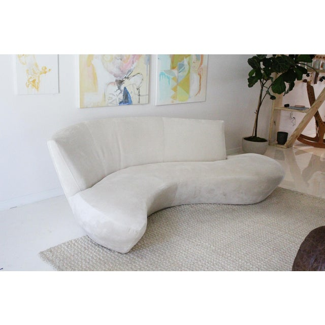 Textile 1990s Vintage Kagan Style Velvet Sofa For Sale - Image 7 of 9