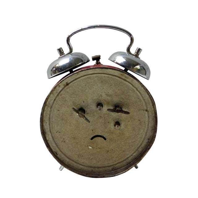 Asian Style Old Chinese Round Shape Table Clock With Chairman Mao Painting For Sale - Image 4 of 5