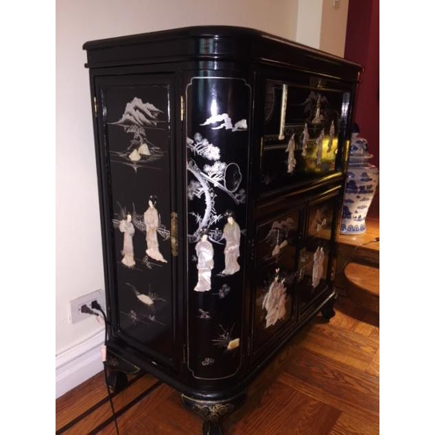 Asian Regency Black Lacquer Chinoiserie Bar Cabinet For Sale - Image 3 of 10