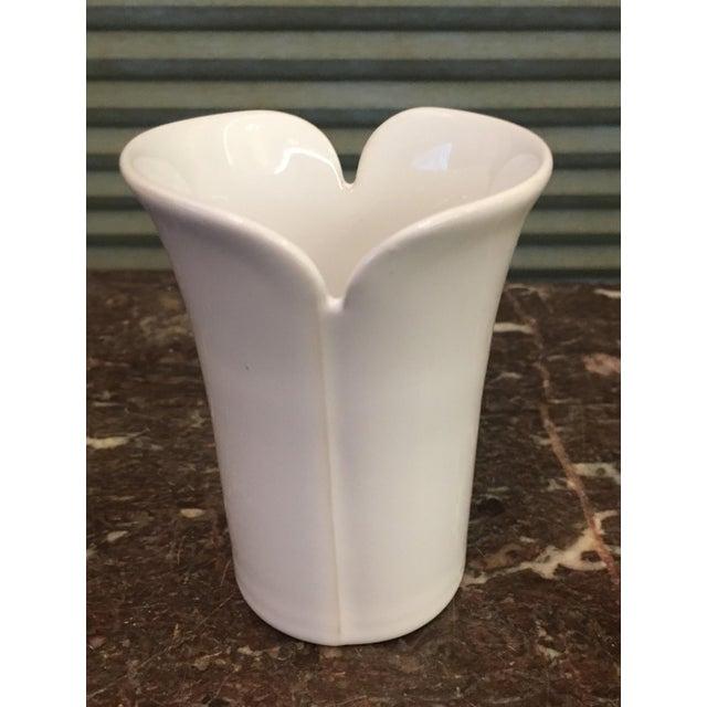 Hogamas Keramik Tulip Design Vase - Image 2 of 6