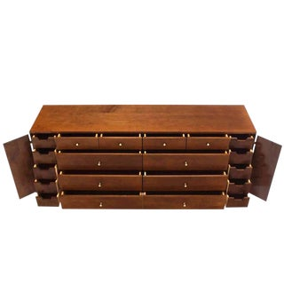 Extra Long Mid Century Modern Planner Group Paul McCobb Dresser 20 Drawers For Sale