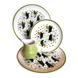 Mid-Century Mikasa Cera Stone Somerset Dinner Plates, Salad Plate & Creamer - Set of 5 For Sale