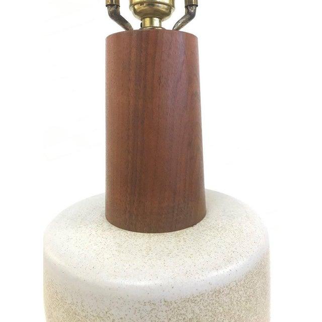 Mid-Century Modern Gordon Martz Ceramic Lamp For Sale - Image 3 of 6