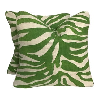 """Contemporary Thibaut Serengeti Printed Pillows -In Green Colorway- a Pair, 20""""x20"""" For Sale"""