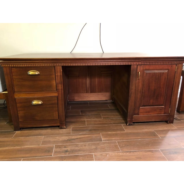Traditional 1990s Traditional Partner Mahogany Desk For Sale - Image 3 of 10