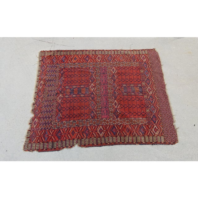 Antique Tekke Turkoman Turkmenistan Central Asian hand-knotted wool rug circa late 19thc - early 20thc. Geometric pattern....