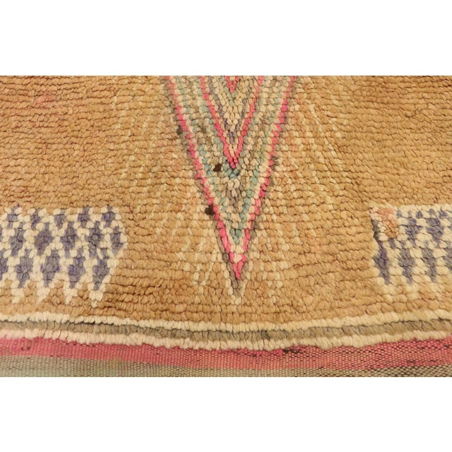 Berber Tribes of Morocco Vintage Berber Moroccan Rug With Earth-Tone Colors - 05'01 X 08'05 For Sale - Image 4 of 10
