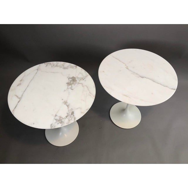 White Pair of Vintage Round Saarinen Side Tables For Sale - Image 8 of 10