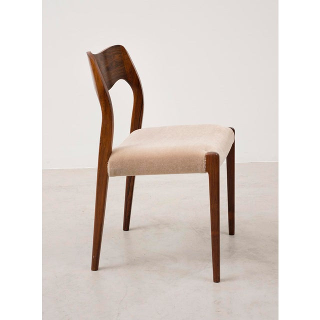 1950s Set of Six Niels Moller Dining Chairs Model #71 in Rosewood and Velvet Mohair For Sale - Image 5 of 11